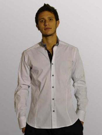Camicia uomo modello slim maniche lunghe