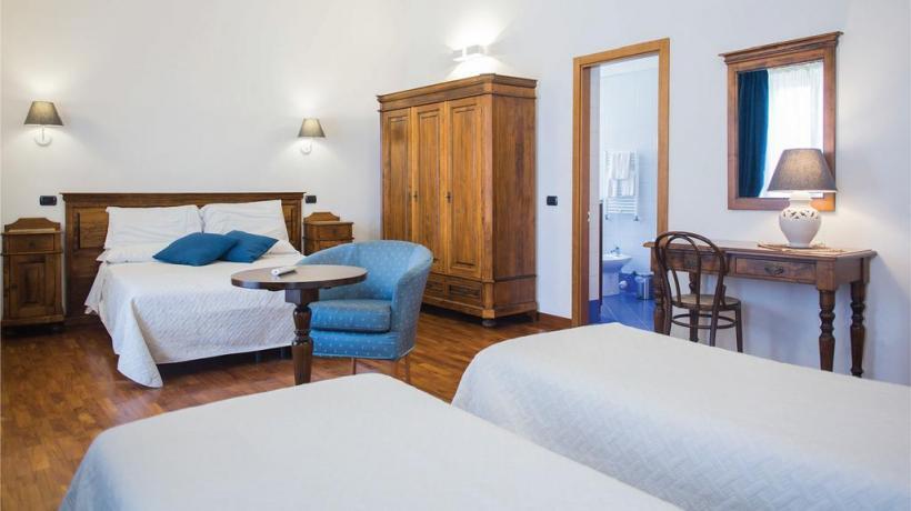 Camera quadrupla con bagno privato Piccolo Hotel
