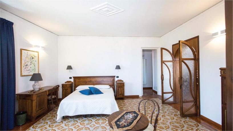 Camere con Aria Condizionata nel centro di Castellammare