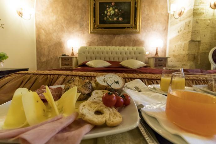 Colazione in camera in hotel di lusso Lecce