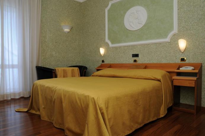 Camera matrimoniale hotel per vacanza in toscana