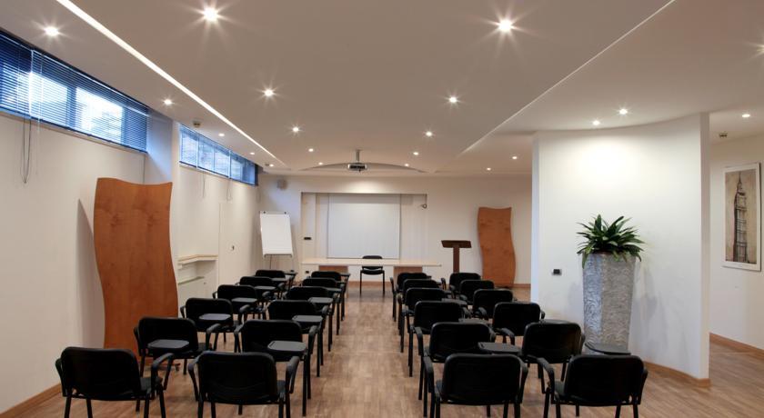 Sala Meeting Hotel Bracciano con Centro Benessere