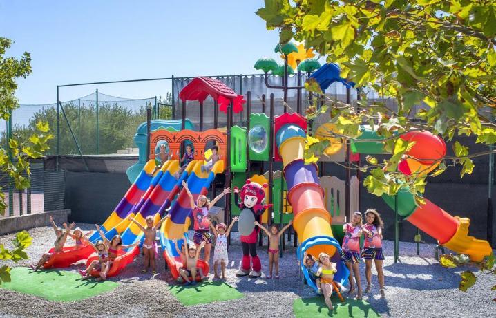 Parcogiochi gigante per bambini con piscina