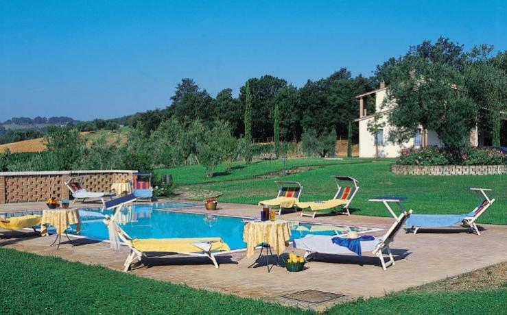 Relax in Umbria con piscina privata e solarium