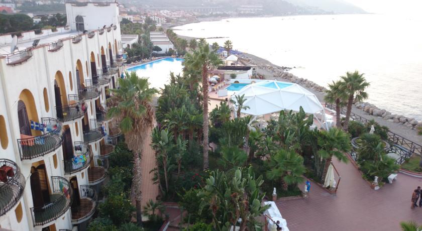 Hotel a Patti direttamente sul Mare