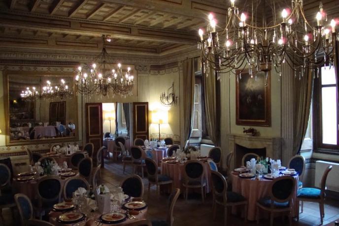 Antica sala elegante per cerimonie