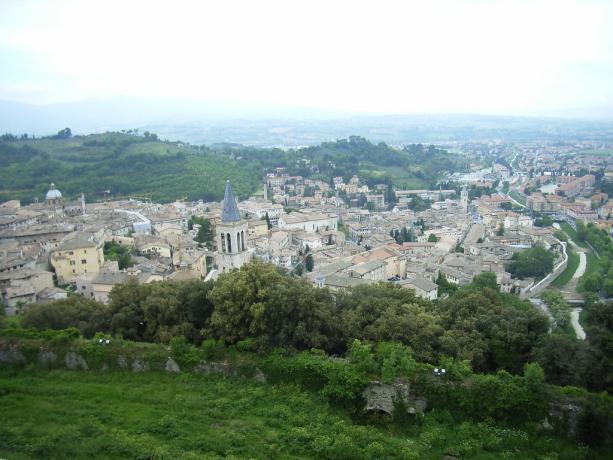 Spoleto dall'aria, vola in mongolfiera da Assisi