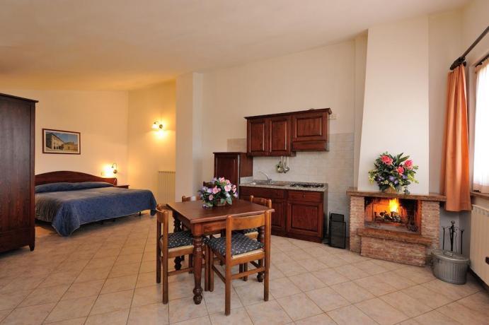 Appartamenti con camino ed angolo cucina