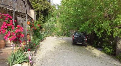 Casale immerso nel verde vicino Siena