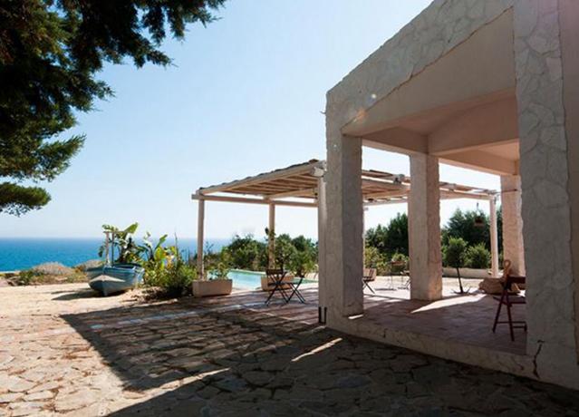 Casa fronte Spiaggia con Piscina a Selinunte