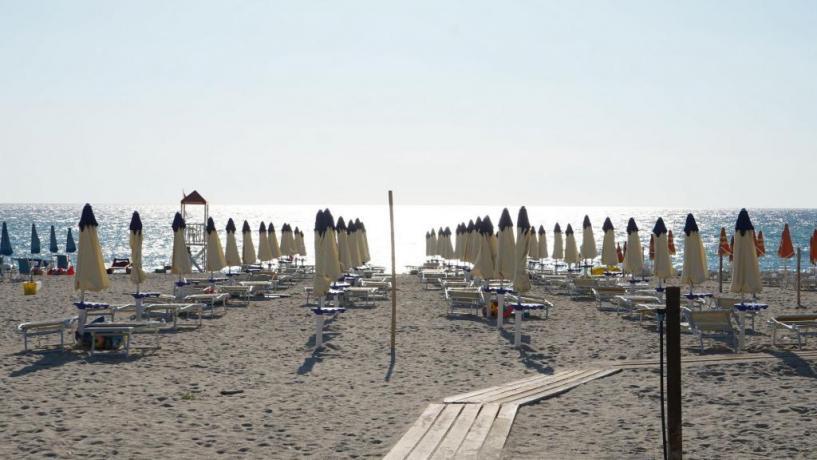 Appartamenti economici in Villaggio Turistico in Calabria, Isca Marina con Spiaggia a 200 mt, Animazione e Ristorante