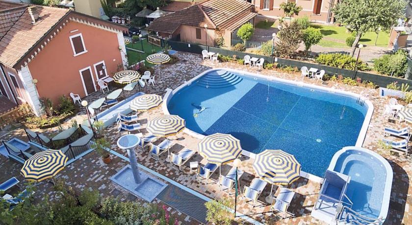 Hotel con Piscina a Bellaria