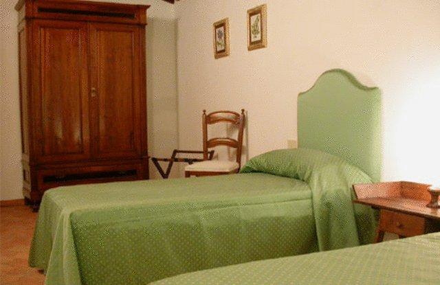 Camere con mobili classici