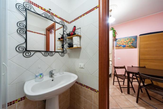 Roma appartamento con bagno e soggiorno