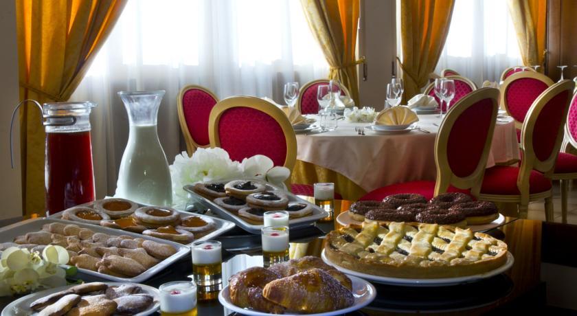 Colazione Continentale in Hotel con Ristorante Chianciano