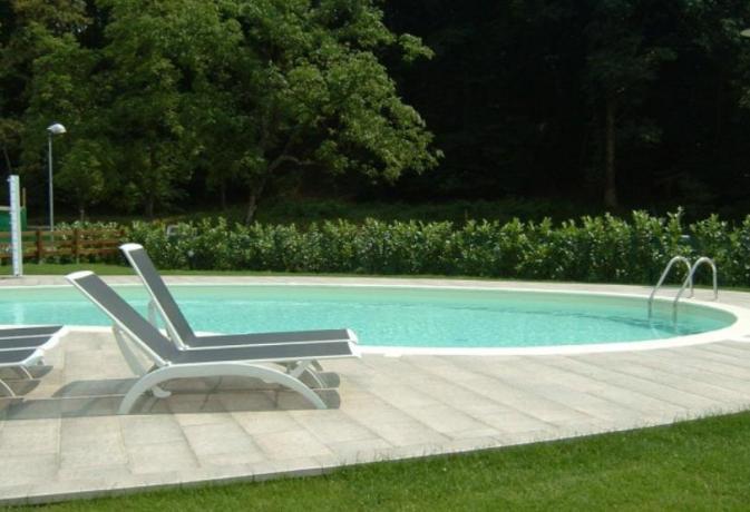Tra il lago d 39 orta e lago maggiore hotel 4 stelle con for Designhotel lago maggiore