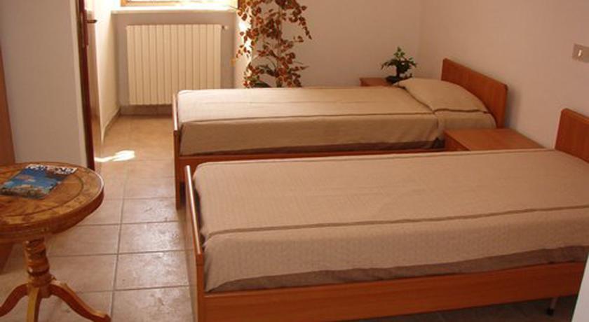 camera doppia con bagno privato