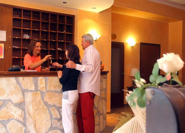 Accoglienza clienti in reception