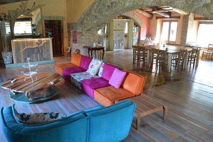 Villa per gruppi ampio soggiorno e cucina