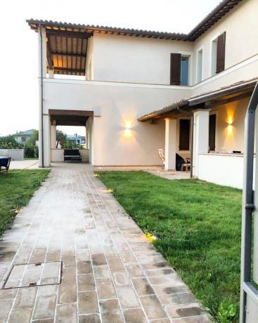 Villa Lusso con Giardino e recinzione completa