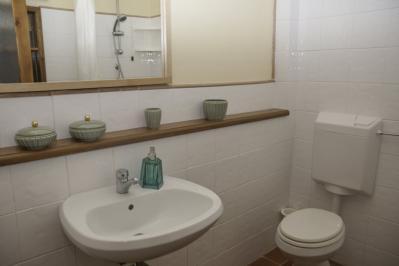 Bagno appartamento lilla