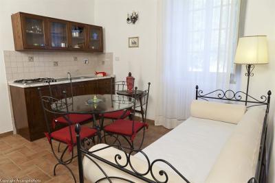 Appartamento Tortora, mobili d'epoca e vista sul parco
