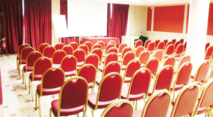Hotel con Sala Meeting a Tortoreto