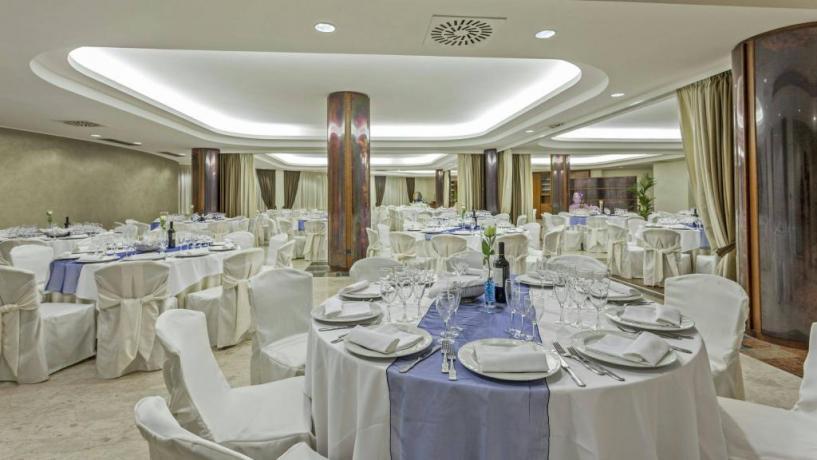 Elegante sala da pranzo albergo in Abruzzo Avezzano