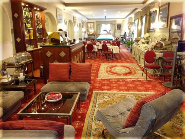 Hall albergo 3 stelle anzio fronte mare