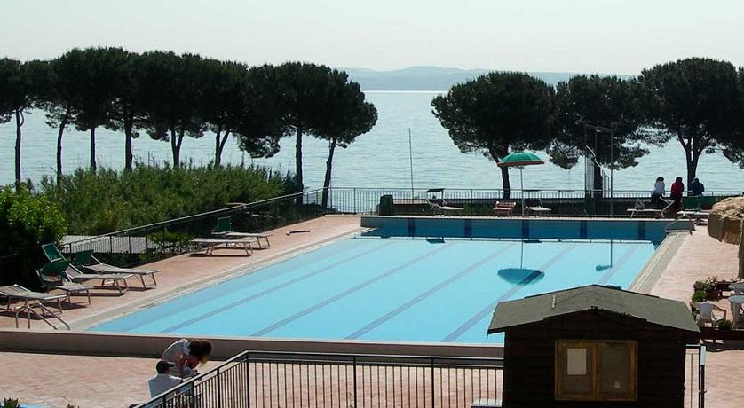 Hotel sul Lago di Bracciano con Piscina