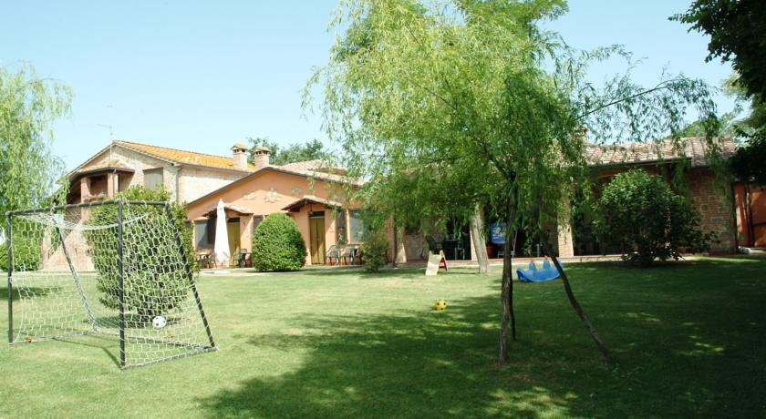 Agriturismo con giardino Castiglione del Lago
