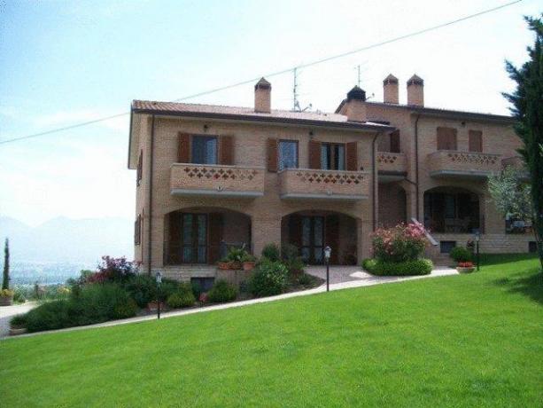 Appartamenti Montefalco con ampio giardino