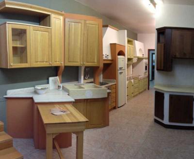 Arredamento in legno massello in Umbria