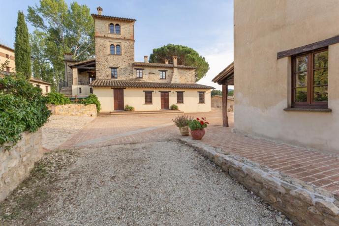 Borgo con Piscina Idromassaggio