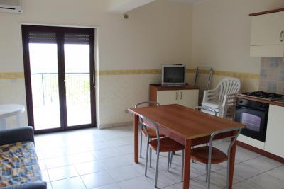 Appartamento Bilocale soggiorno e angolo cottura