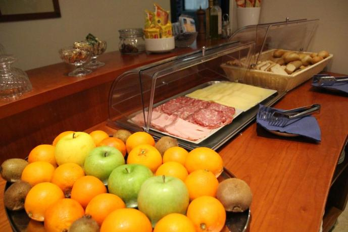 Colazione a Buffet dolce e salato