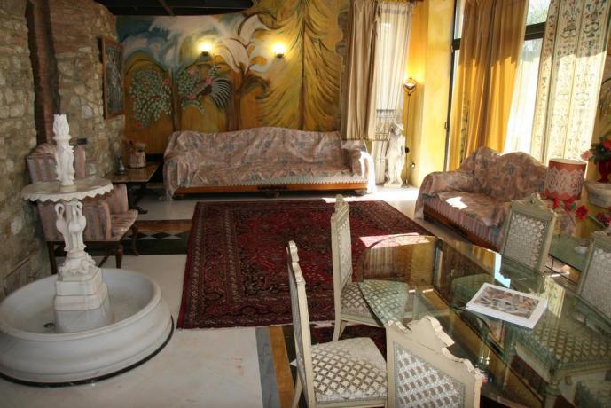 Salotto Suite Gialla relais a Calenzano