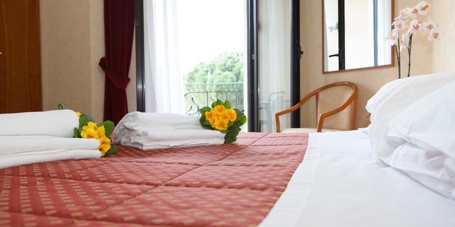 Camere Matrimoniali per weekend romantici Hotel Arezzo