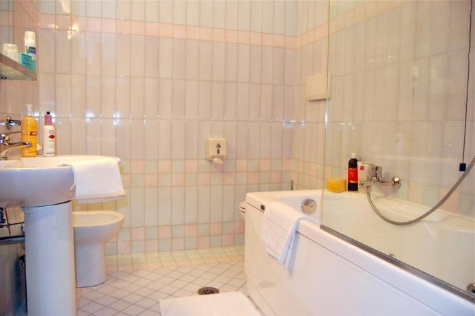 Bagno privato camera matrimoniale Comfort Avezzano
