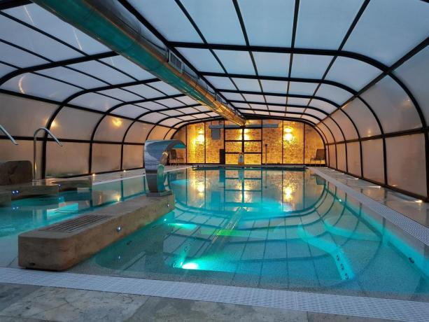 Residence con Piscina coperta compreso idromassaggio