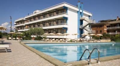 Hotel 3 stelle con Piscina a Terracina