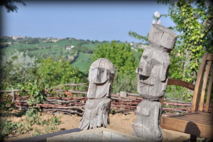PANORAMA con sculture legno