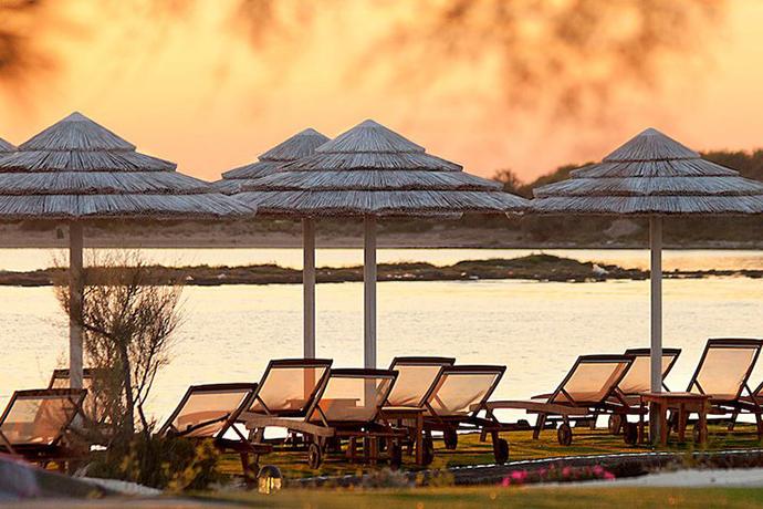 camere-fronte-spiaggia-ristorante-sul-mare-hotel-lo-scoglio-portocesareo