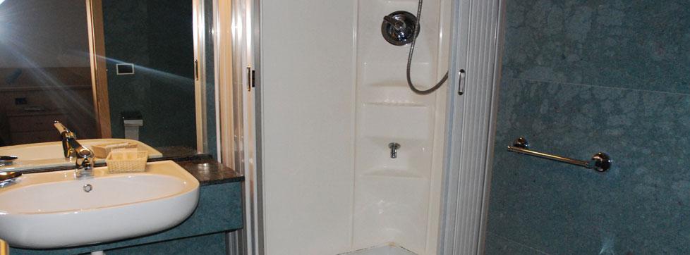 Bagno delle camere hotel benessere dolomiti
