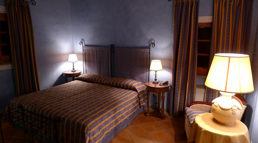 Camere De Luxe con vasca Jacuzzi e cassaforte