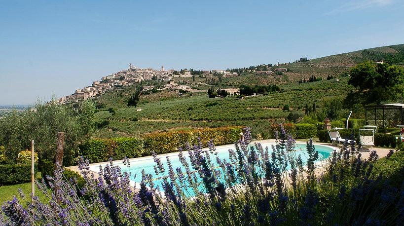 Appartamenti con Piscina in Umbria