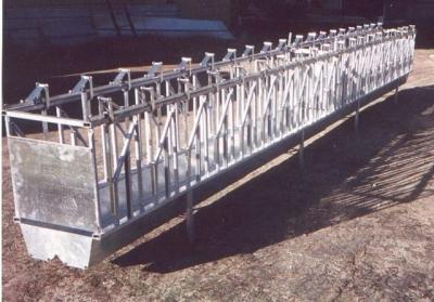 Produzione e vendita serbatoi cancelli attrezzature for Cattura per capre