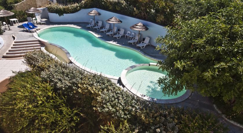 Hotel con Piscina vicino al Mare di Castelsardo
