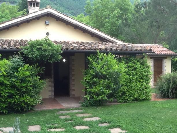 Struttura esterna Country House nella Valle del Nera