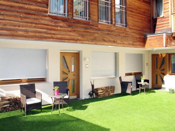 Appartamenti con piccolo cortile curato a S.Vigilio